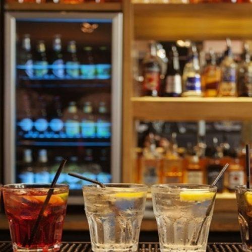 Governo estuda medidas para atender setor de bares e restaurantes, diz Bolsonaro