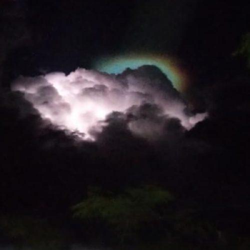 Aparição de nuvem rara chama atenção em município do Piauí; climatologista explica fenômeno
