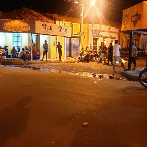 Vendedor de frutas é morto a tiros em praça pública no Piauí