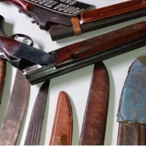 Três homens são presos por tráfico de drogas e com várias armas
