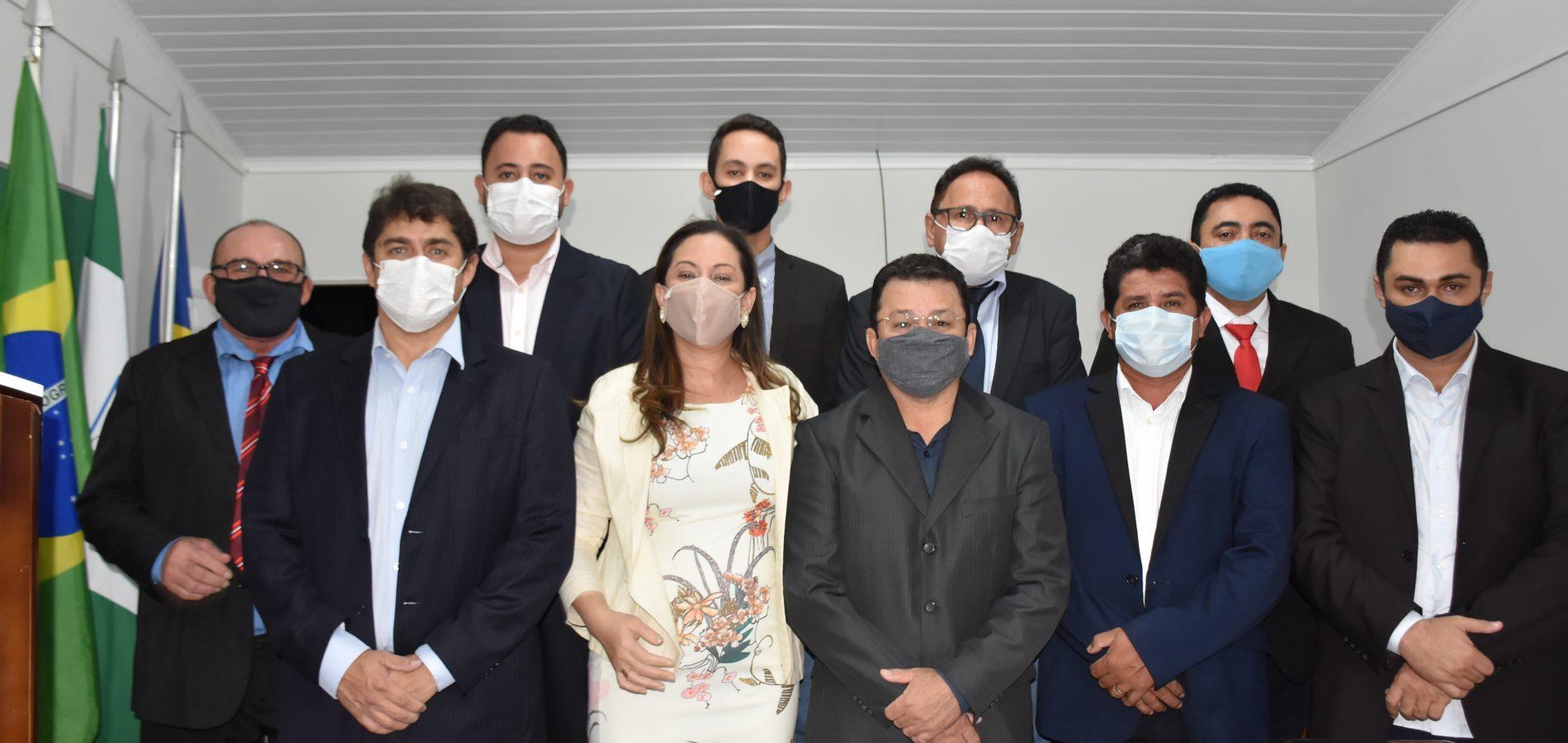 SÃO JULIÃO | Câmara realiza 1ª sessão do ano e prefeito e vice apresentam mensagens; fotos