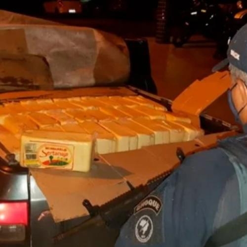 Carga irregular com 700 kg de queijo é apreendida a caminho de Teresina