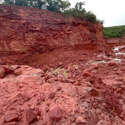 Após enxurrada que levou estrada, 70 famílias são isoladas no Piauí