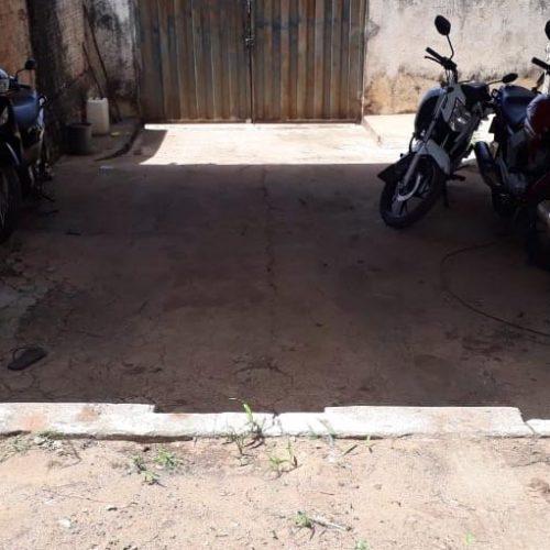 Em fiscalização, polícia apreende motocicletas conduzidas por menores em Santana do Piauí