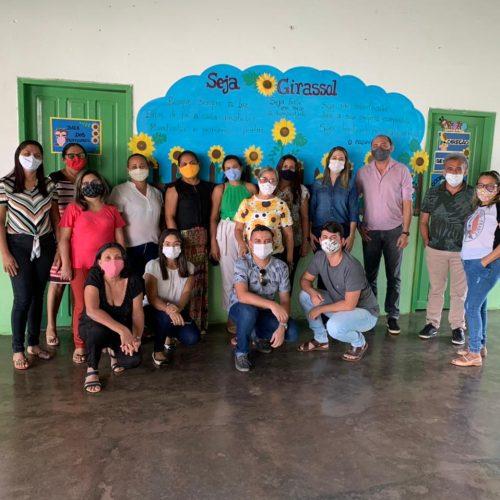 Secretária de Educação de Geminiano reúne equipe para planejar o ano letivo