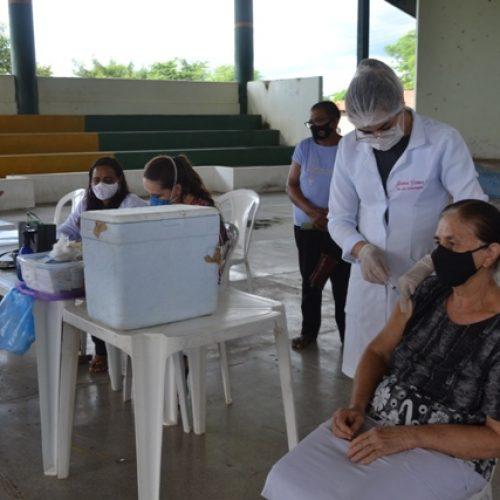 Secretaria de Saúde de Fronteiras inicia vacinação de idosos de 65 a 69 anos