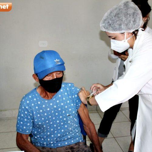 102 idosos com idade entre 80 e 89 anos são vacinados em Alagoinha do Piauí