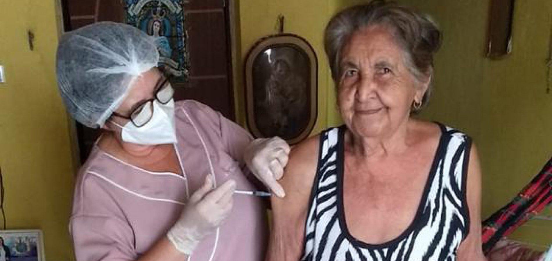 Saúde de São Julião avança na vacinação de idosos contra a Covid-19