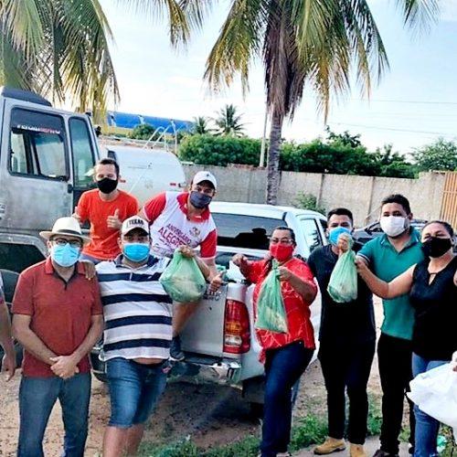 Prefeitura distribui mais de 2 toneladas de peixes para famílias em Alegrete do Piauí; fotos