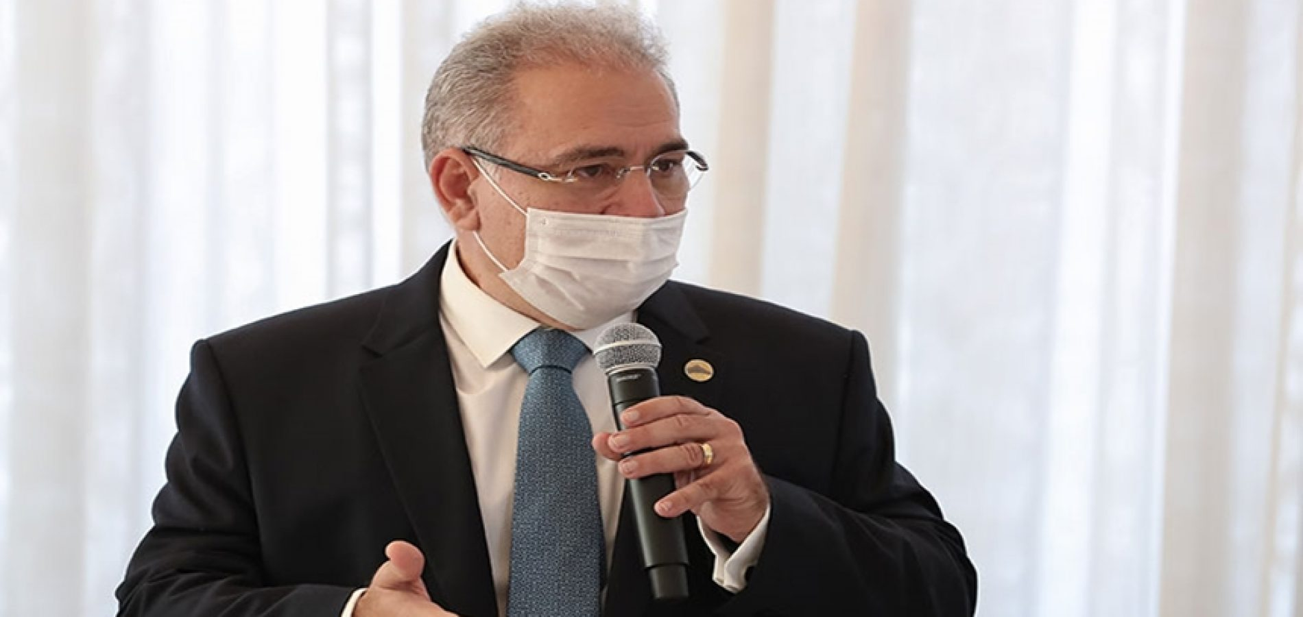 Ministro da Saúde diz que é possível vacinar toda população brasileira em 2021