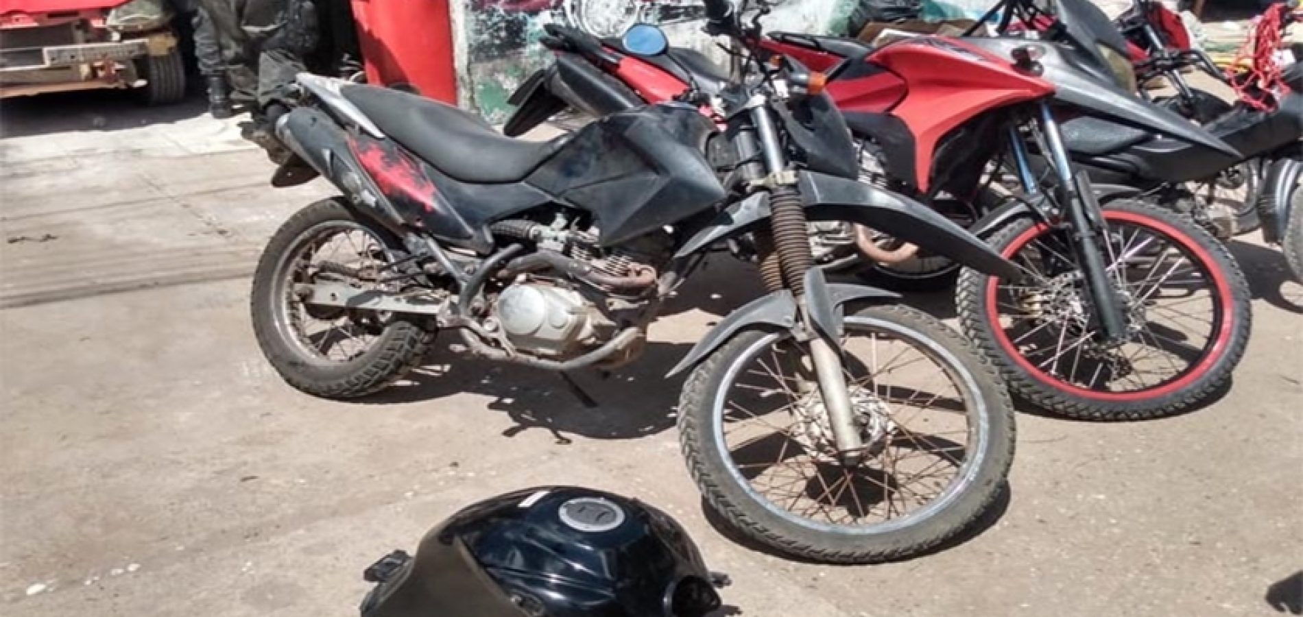 Polícia descobre esquema de clonagem de motos em oficinas e dois são presos no Piauí