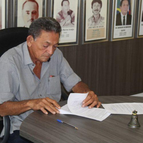 Gil Paraibano autoriza a concessão de promoção e progressão dos servidores da Administração e Saúde da Prefeitura de Picos