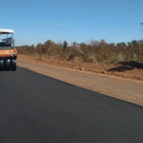 Rodovia da Soja recebe camada de asfalto e deve ser inaugurada ainda em 2021, diz Governo do Piauí