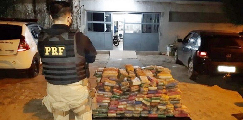 PRF apreende em Picos carga de 380 kg de maconha escondida em fundos falsos de veículo