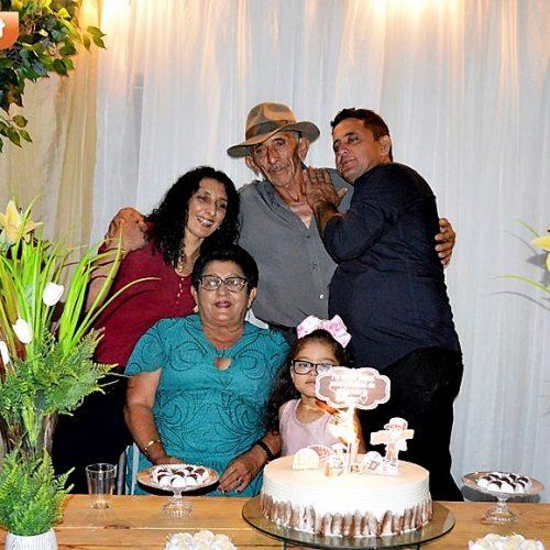 Ao lado de familiares e amigos, Antônio Pedro de Moura, celebra aniversário de 70 anos em Vila Nova; fotos