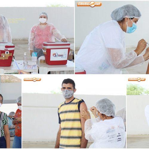 Mais de 300 trabalhadores da Educação são vacinados contra a Covid-19 em Simões