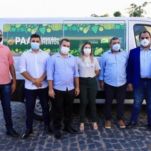 Prefeito Filipe Gonçalves participa de evento com ministro e recebe veículo para Caldeirão Grande do Piauí