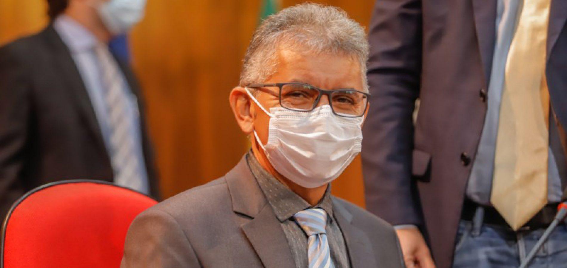 Paulo Martins reclama do aumento dos preços dos alimentos, que chegam a 150% no ano