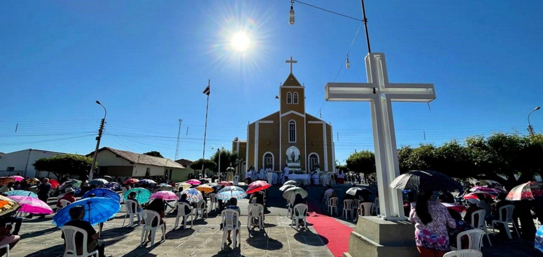 Tradição religiosa se mantém viva e Padre Marcos celebra a 107ª festa de Santo Antônio; veja fotos