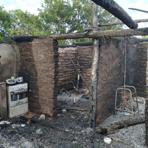 Homem é encontrado morto após atear fogo em três casas no Piauí, diz polícia
